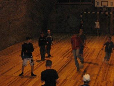 Mecz piłkarski w kopalni