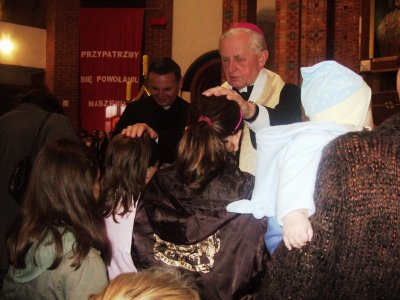 dzieci i biskup